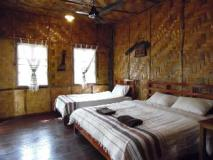 Namtha Riverside Bungalow: guest room