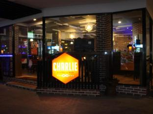 Red Planet Hotel Patong Phuket - Charlie Bistro & Bar