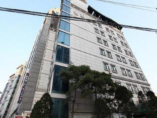 /rampart-hotel/hotel/suwon-si-kr.html?asq=jGXBHFvRg5Z51Emf%2fbXG4w%3d%3d