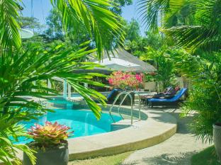 Alona Northland Resort Bohol - Garden