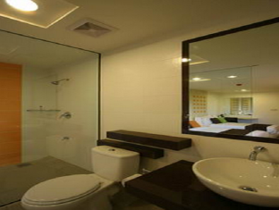 360 Xpress Citycenter Budget Boutique Hotel Kuching - Bathroom