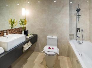 Park Avenue Changi Hotel Singapore - Bathroom