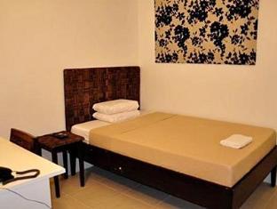 R Suites & Cafe Cebu - Guest Room