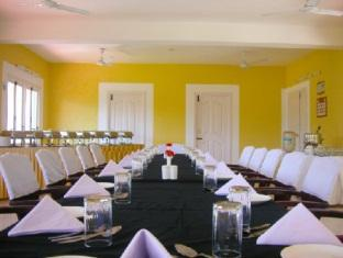 Prince Park Farmhouse Resort Pondicherry - Meeting Room