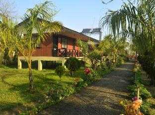 Jungle World Resort Chitwan - Exterior