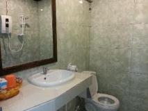Mr Tho's Bungalow: bathroom