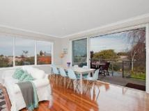 Murray Square Holiday House: interior