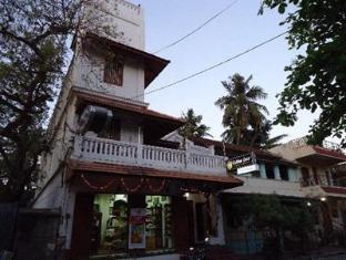/hotel-coramandal-heritage/hotel/pondicherry-in.html?asq=jGXBHFvRg5Z51Emf%2fbXG4w%3d%3d