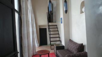 Hotelski apartma s pogledom na vrt in balkonom