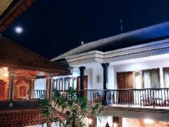 Agus Beach Inn | Indonesia Hotel