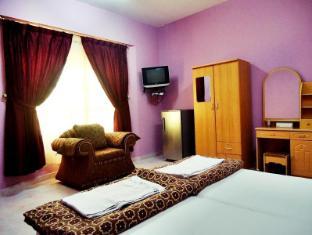 Al Taif Accommodation Khasab - 2 Bedroom Suite - Master Room