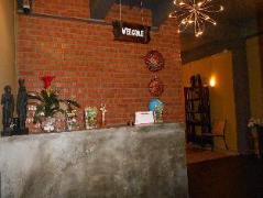 Batu Bata Guesthouse | Malaysia Hotel Discount Rates