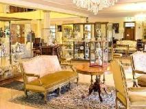 The Residence: lobby