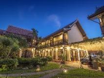 Sada Hotel: night