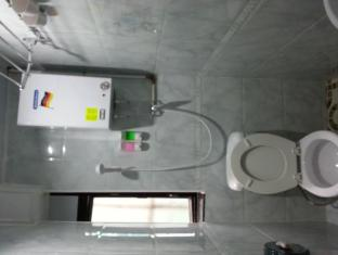 Happy Yeung Guest House Hong Kong - Bathroom