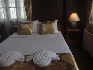 Pachkit House Chiang Mai - Villa 2 pax room