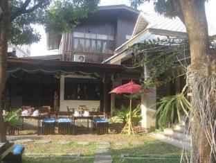 Pachkit House Chiang Mai - Lanna Villa