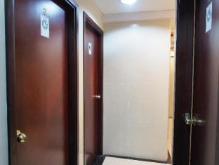 Reliance Inn Hong Kong - Corridor