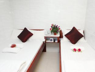 Reliance Inn Hong Kong - Triple Room