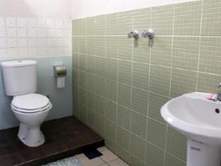 White Cottage Kuching - Shared bathroom
