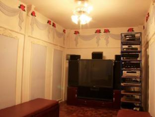 White Cottage Kuching - TV room