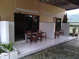 Hotel Legen 2 Baturaden Purwokerto - Balkoni/Teres