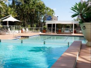 Carmel by the Sea Holiday Apartments Broadbeach Gold Coast - Swimming Pool