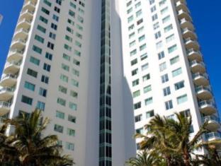 Carmel by the Sea Holiday Apartments Broadbeach Gold Coast - Exterior