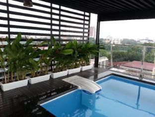Golden Lotus Luxury Hotel Hanoi - Swimming Pool