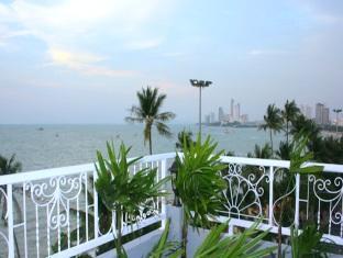 Star Residency Pattaya - View to north of hotel