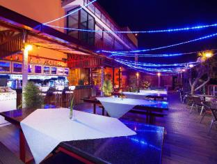 Lion Hotel & Plaza Manado Manado - Bayview Terrace