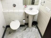Oyo Rooms - Cyber Park: bathroom