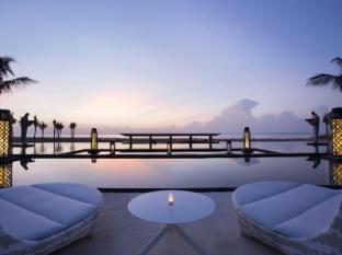 Mulia Resort Nusa Dua Bali - Ocean Pool