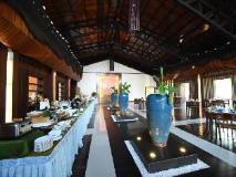 Jade Marina Resort & Spa: restaurant