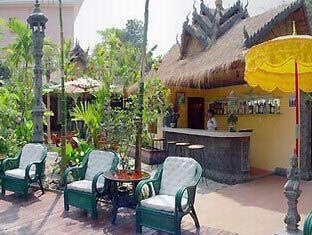 Bopha Angkor Hotel Siem Reap - Pool Bar