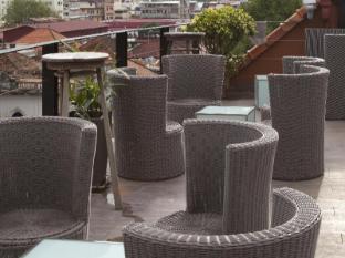 Amanjaya Pancam Suites Hotel Phnom Penh - Le Moon bar