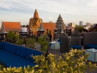 Amanjaya Pancam Suites Hotel Phnom Penh - Balcony/Terrace