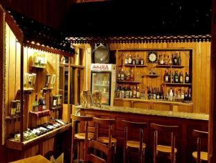 Shwe Inn Tha Floating Resort Inle Lake - Bar