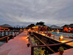 /fi-fi/shwe-inn-tha-floating-resort/hotel/inle-lake-mm.html?asq=vrkGgIUsL%2bbahMd1T3QaFc8vtOD6pz9C2Mlrix6aGww%3d