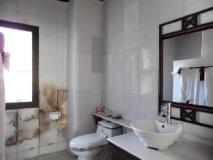 Le Calao Inn: bathroom