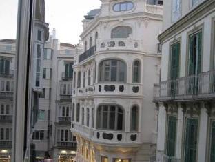 /vi-vn/apartamentos-debambu/hotel/malaga-es.html?asq=vrkGgIUsL%2bbahMd1T3QaFc8vtOD6pz9C2Mlrix6aGww%3d