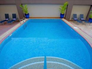 Darwin Central Hotel Darwin - Swimming Pool