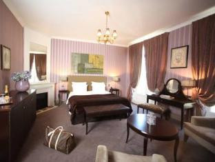 Champs Elysees Plaza Hotel Paris - Guest Room