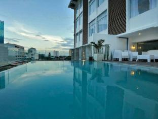 WellCome Hotel Cebu - Bazen