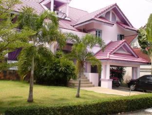Luxury Villa Homes at Pinery Park Beach Rayong