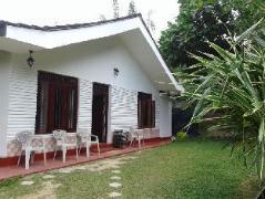 Family Guest House | Sri Lanka Budget Hotels