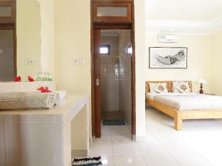 Frangipani Bungalow Bali - Guest Room