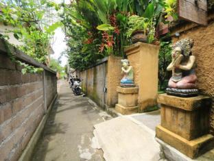 Frangipani Bungalow Bali - Exterior
