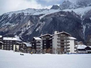 /apartment-clos-du-savoy-ii-chamonix/hotel/chamonix-mont-blanc-fr.html?asq=5VS4rPxIcpCoBEKGzfKvtBRhyPmehrph%2bgkt1T159fjNrXDlbKdjXCz25qsfVmYT