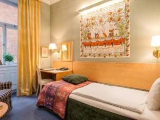 Collector's Lady Hamilton Hotel Stockholm - Guest Room